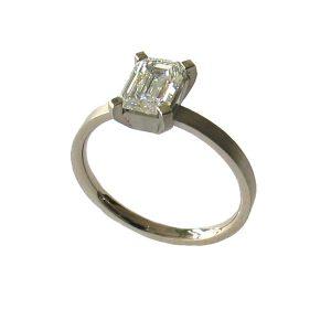 Verlobungsring Weißgold, Diamant emerald cut