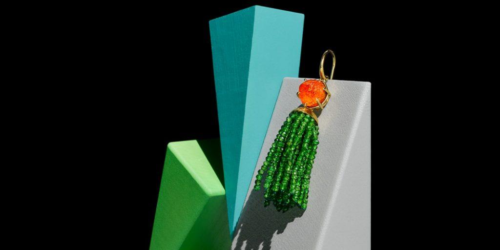 Ohrhänger750/... Gold. Spessartin mit natürlichen, unbehandelten Kristallflächen. Quaste Chrom Diopsid